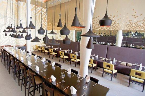 Azul Beach Hotel: Latino Restaurant