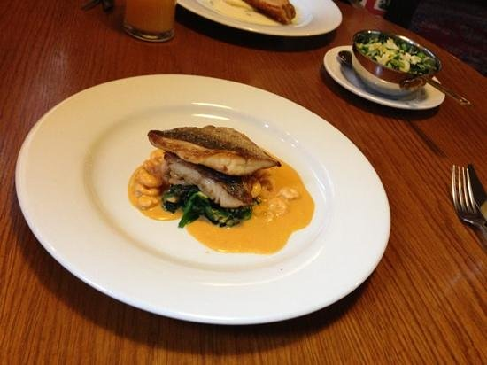 The Olive Branch Inn: Sea bass