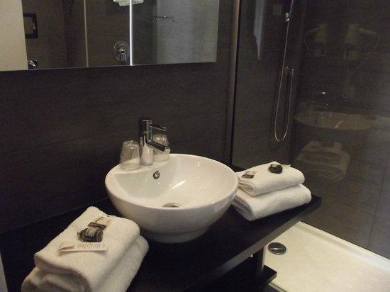 Hotel de la Plage : salle de douche