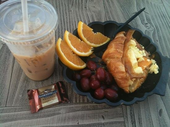 Pacific Wharf Cafe: breakfast croissant
