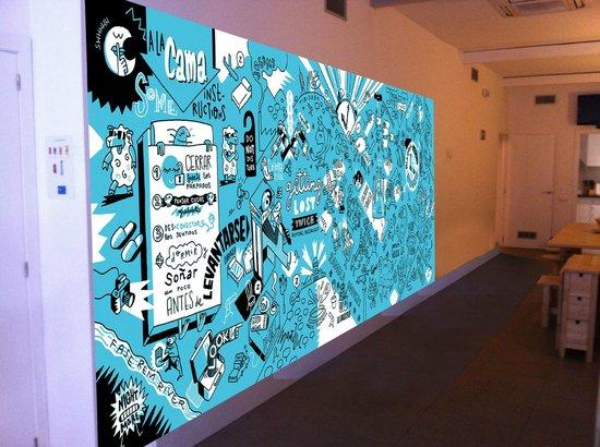 Bedcelona Gracia Hostel: Este mural próximamente