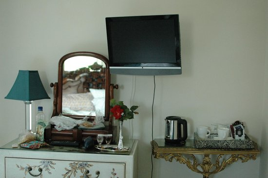 Adelphi Guest House : room