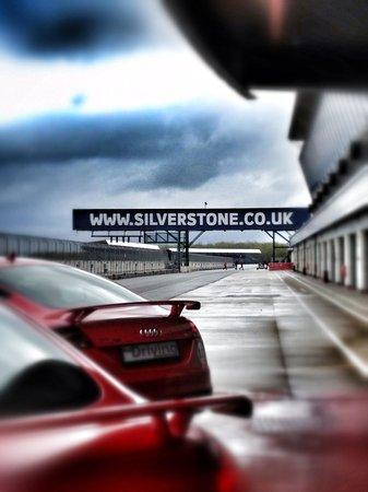 Silverstone Challenge - Silverstone Experience: getlstd_property_photo