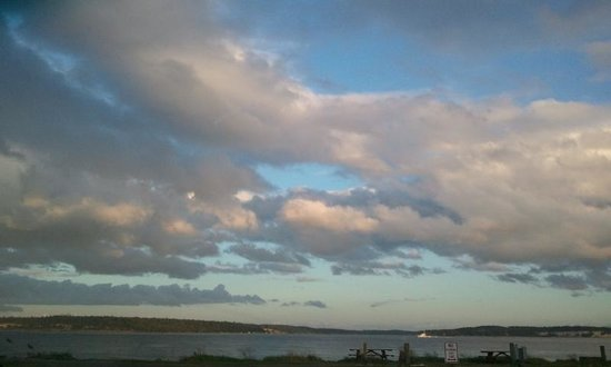 Huber's Inn Port Townsend: The Sky above Port Townsend