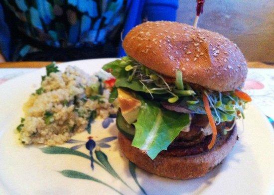 Puree Cafe: Tempeh Sausage Burger