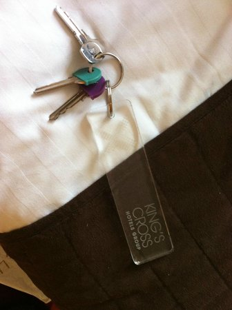 Excelsior Hotel London: obnoxious key tag