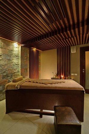 Coral Sea Aqua Club Resort: Treatment Room