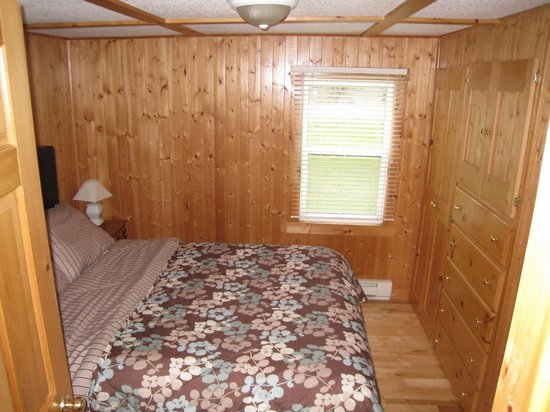 Mackenzie's Motel and Cottages : Zimmer