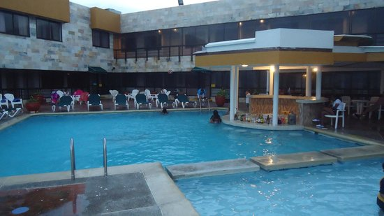 Decameron Maryland : sector de piscina