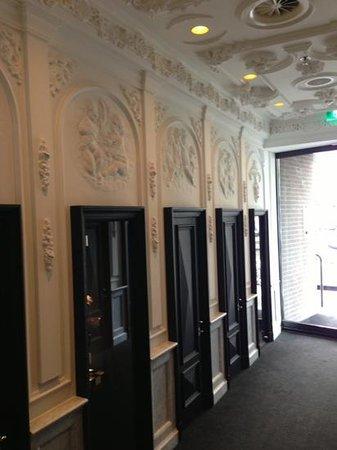 Andaz Amsterdam Prinsengracht: entrée de l'hôtel