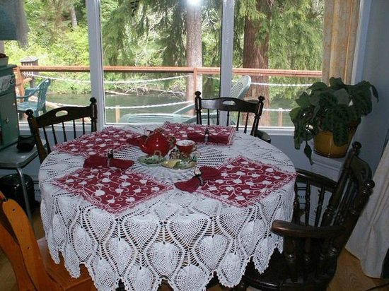 Fishermans Widow Bed & Breakfast: Breakfast Nook