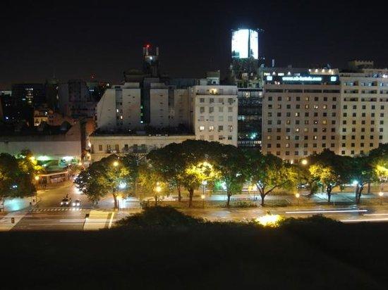 Conte Hotel: Vista Noite