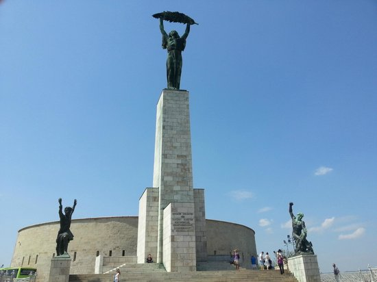 Cityrama Sightseeing Tours : Liberty Statue or the biggest bottle opener in Budapest....