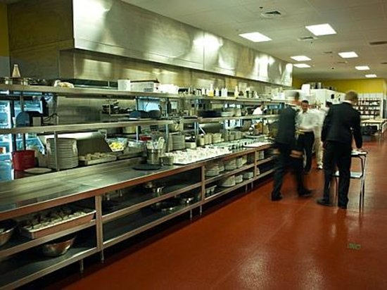 Russell's Steaks: 6000 sq ft
