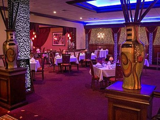 Russell's Steaks: Five Dining Rooms