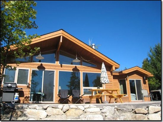 Les Chalets du Lac Grenier : Clover Cottage