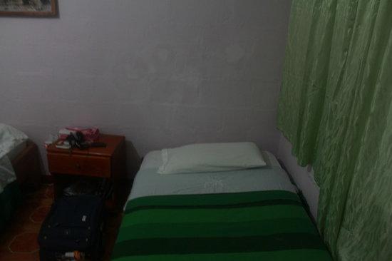 Darwin Hostel: Room