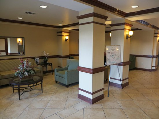 Sleep Inn & Suites: Lobby.