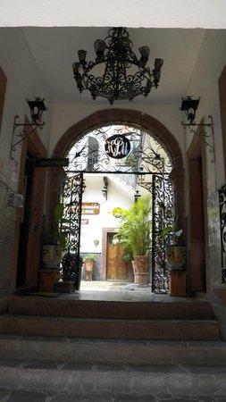Hotel Posada de las Monjas: La entrada principal