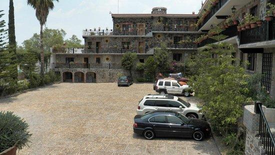 Hotel Posada de las Monjas: Estacionamiento / Parking place