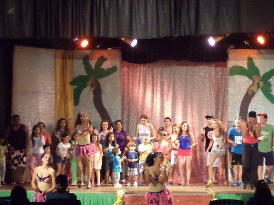 SUNSOL Isla Caribe: show nocturno
