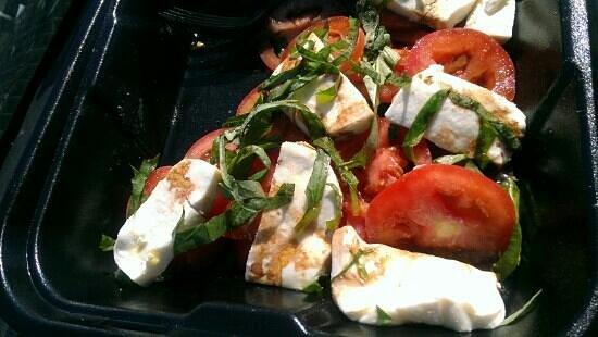 Nupa Mediterranean Cuisine : Caprese salad (to go)