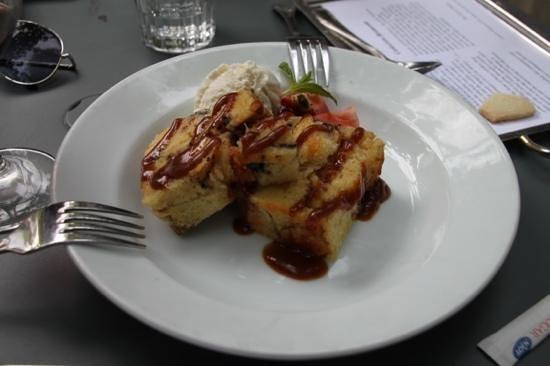 Corkscrew Cafe: Brioche bread pudding with coconut.
