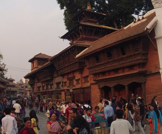 Elbrus Home: Durbar Square early in the morning