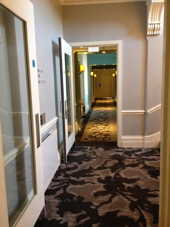 The Ampersand Hotel: hall