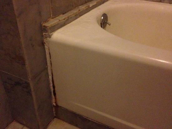 GHL Relax Hotel Sunrise: filtración en la ducha
