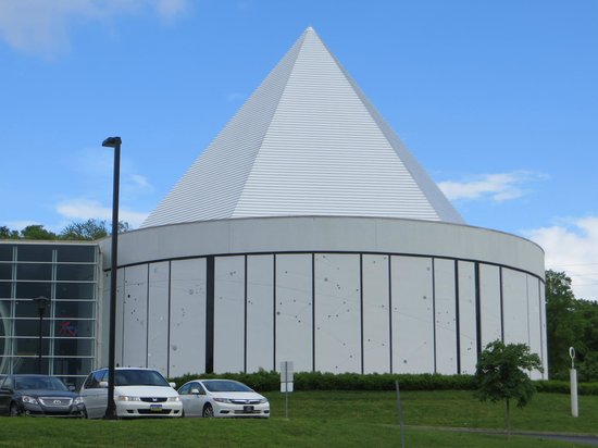 Adventure Science Center : Outside of planetarium.