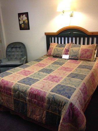 Manor Motel: Room Ten