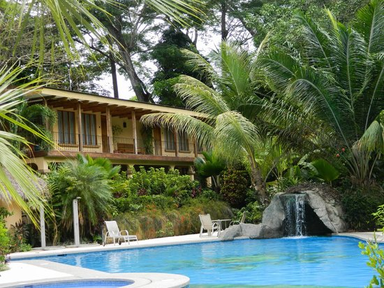 DoceLunas Hotel, Restaurant & Spa: guest house by pool