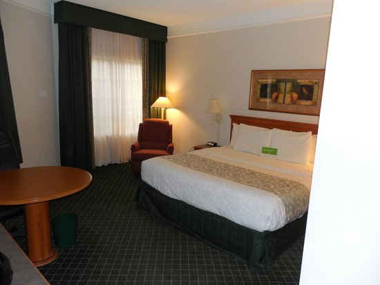 La Quinta Inn & Suites Tucson Airport: Room