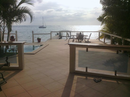 Villas del Playa - Luxury Condos: Relaxing on the patio....It doesn't get any better then this!