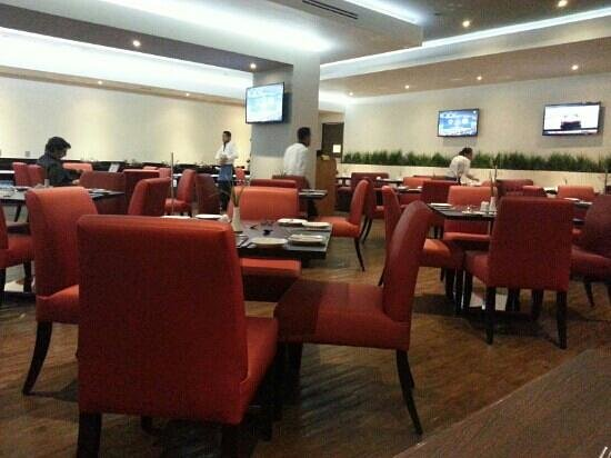 Real Inn Perinorte: Restaurante