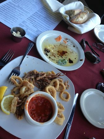 Cafe Gabbiano: The Calamari Appetizer (Amazing) and perfect fresh Bread