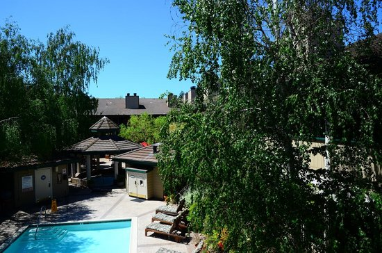 BEST WESTERN Sonoma Valley Inn & Krug Event Center: View from balcony
