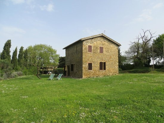 Agriturismo La Crociona: View of our cottage