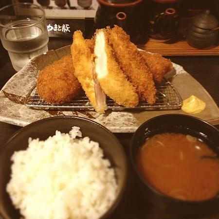 イマカツ定食1500円。ササミカツが超サクサクで肉が超柔らかくて美味しい(。-_-。)