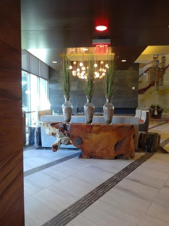Viejas Casino & Resort: Hotel Lobby