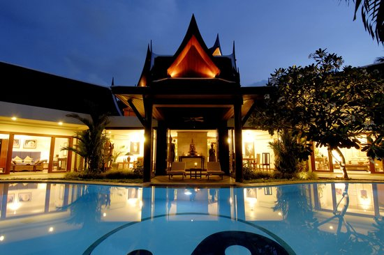 The Himmaphan: night view of the villa