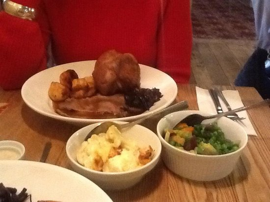 The Harbour Inn: Roast beef & Yorkshire pud!