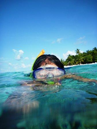 Thulhagiri Island Resort: i love to snorkel