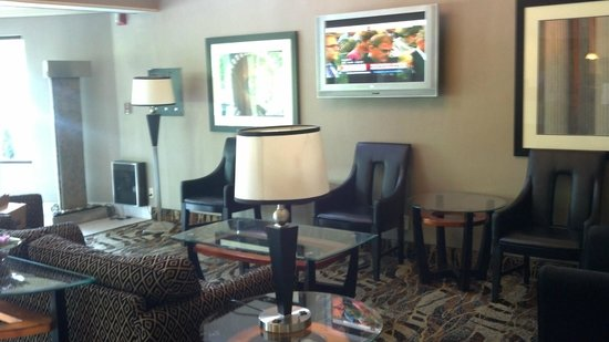 Comfort Inn & Suites Alexandria: lobby