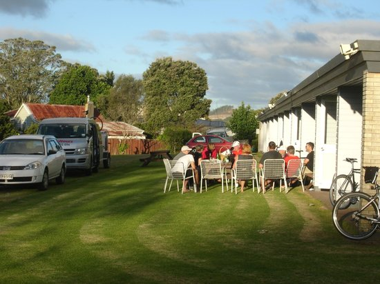 Mid North Motor Inn: Relaxing in the late afternoon sun after a day in the saddle