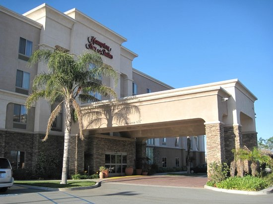 Hampton Inn & Suites Banning-Beaumont: Outside of hotel