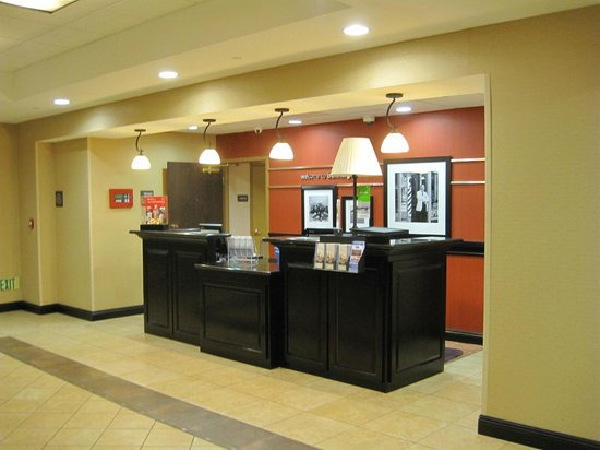 Hampton Inn & Suites Banning-Beaumont: Lobby