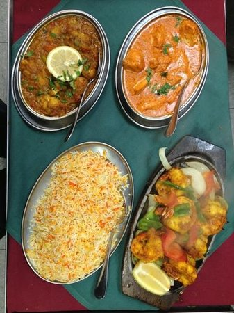 Cafe Tandoor: Butter chicken, Fish curry, Tandoori Prawan & saffron rice