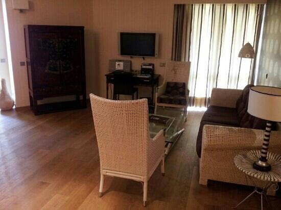 Divani Apollon Suites : sitting area in suite
